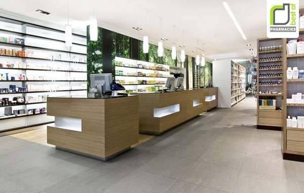 Interior de una farmacia moderna
