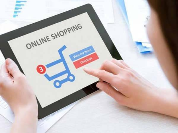 Persona comprando online