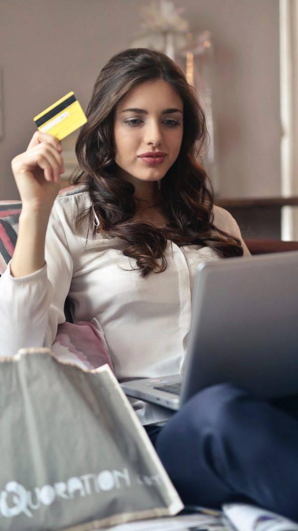 adolescent-beautiful-brunette-919436